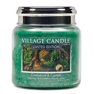 Village Candle Střední vonná svíčka ve skle Cardamom and Cypress 397g - Kardamon a cypřiš
