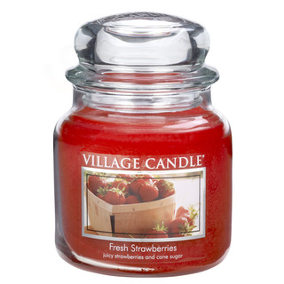 Village Candle Střední vonná svíčka ve skle Fresh Strawberries 397g - Čerstvé jahody