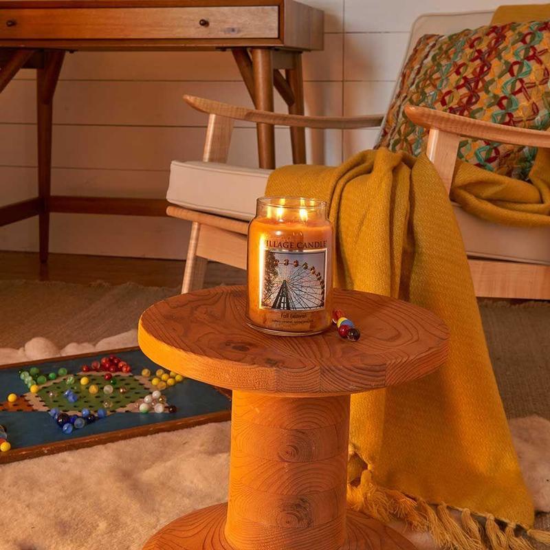 Village Candle Střední vonná svíčka ve skle Fall Festival 397g - Podzimní slavnost