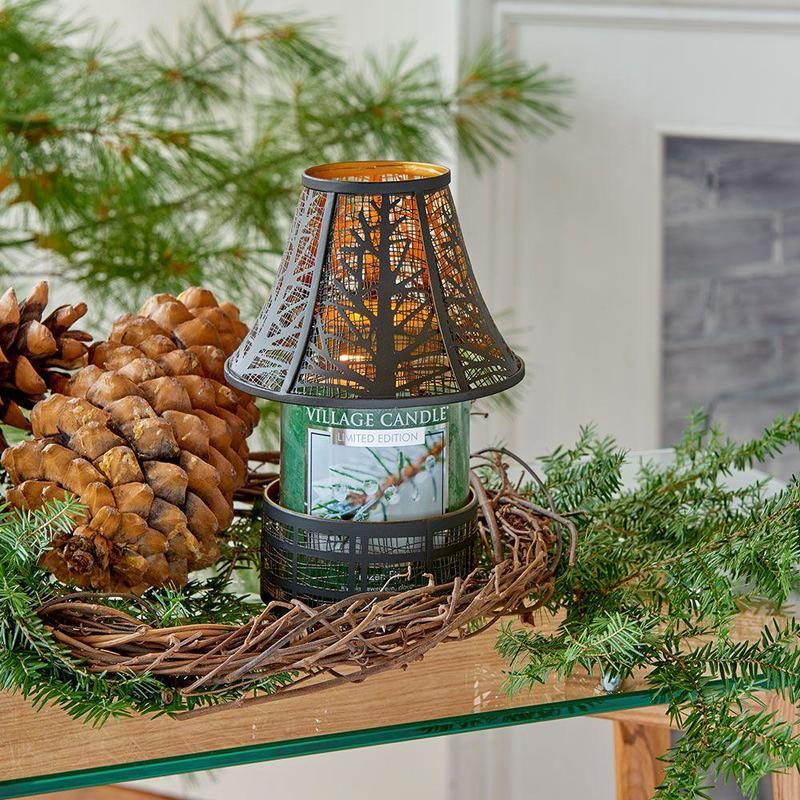 Village Candle Velká vonná svíčka ve skle Frozen Fir 645g - Jinovatka