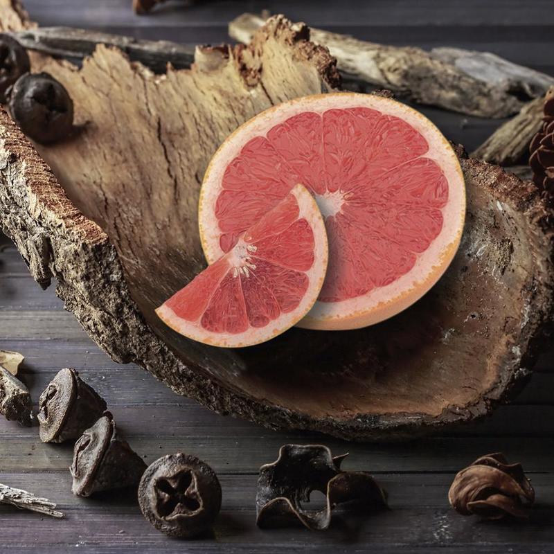 Village Candle Velká vonná svíčka ve skle Grapefruit and Ebony Bark 645g - Grapefruit a ebenové dřevo